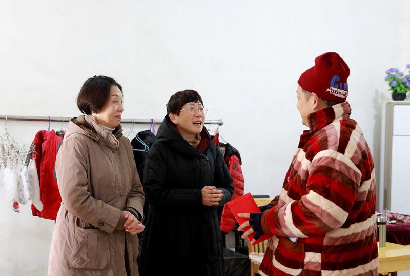 亚博体育官网网址边集团启动春节前大走访大慰问活动