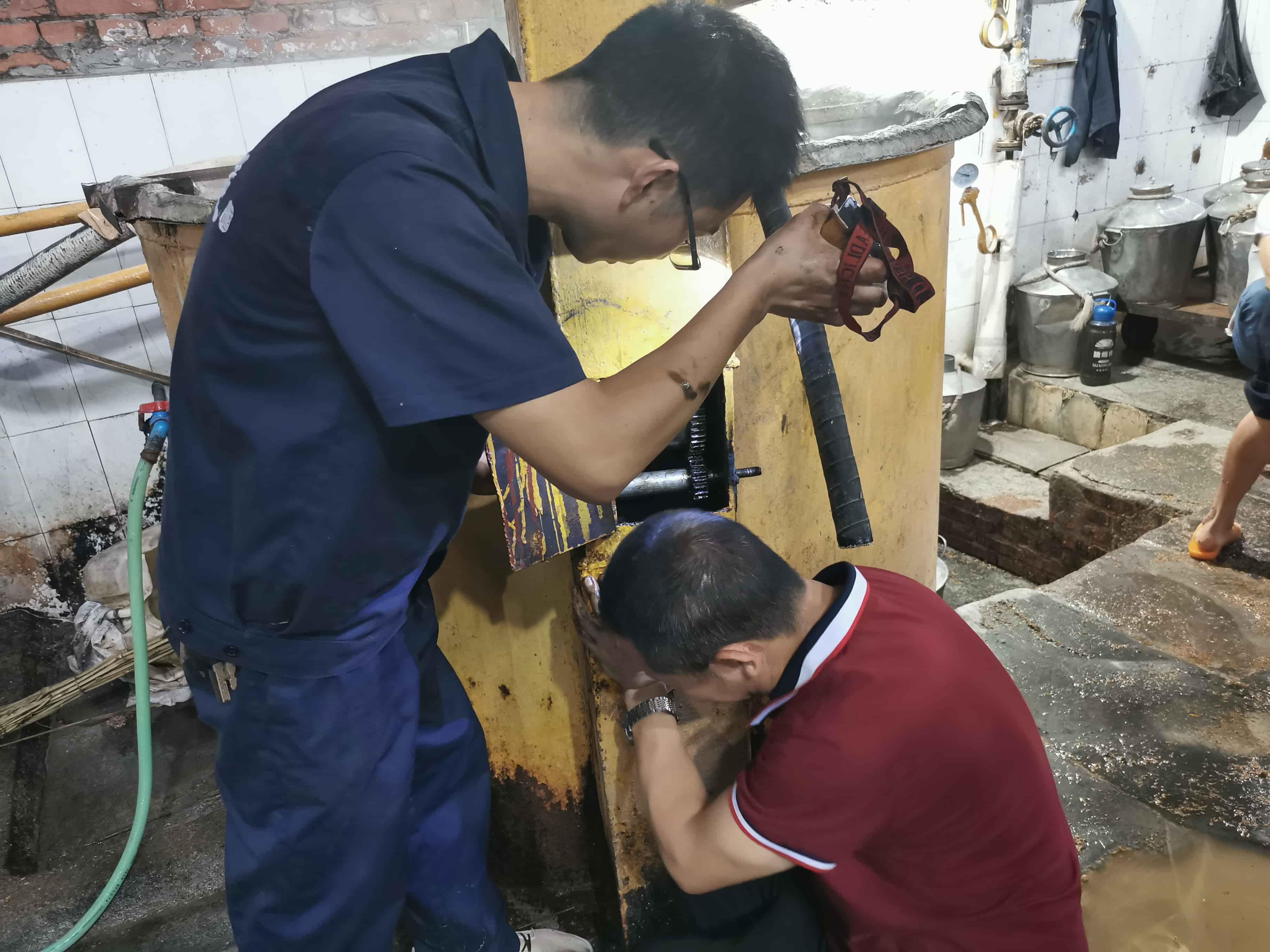 raybet公司制酒:修旧利废 我们在行动 — 机电维修办公室修旧利废纪实